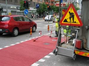 """""""Punaista mattoa"""" pyöräilijöille."""