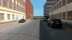 Liikennevalot korvataan edellisen kuvan tavoin etuajo-oikeus vasemmalle liikennemerkillä.