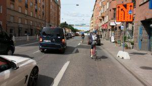 Långholmsgatan, Tukholma. Edellisen ison kuvan suuntaan oleva ratkaisu.