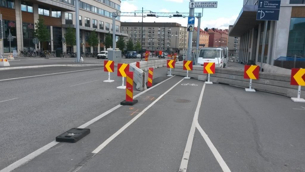 Solnassa pyöräilyn tila on myös otettu ajoradalta. Pakkokierrätys ei ole vaihtoehto.